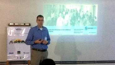 Professor Schwartz apresenta palestra sobre identificação de pessoas em vigilância no WVC 2018